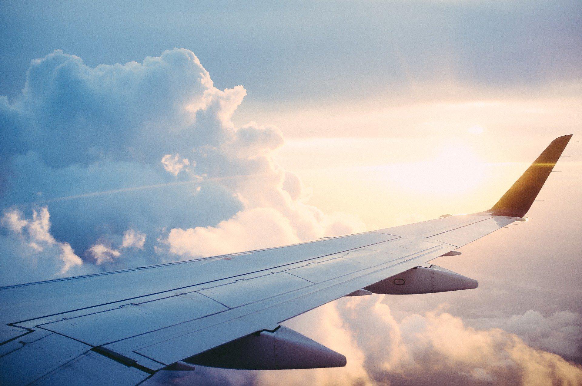 Jak szukać tanich połączeń lotniczych?