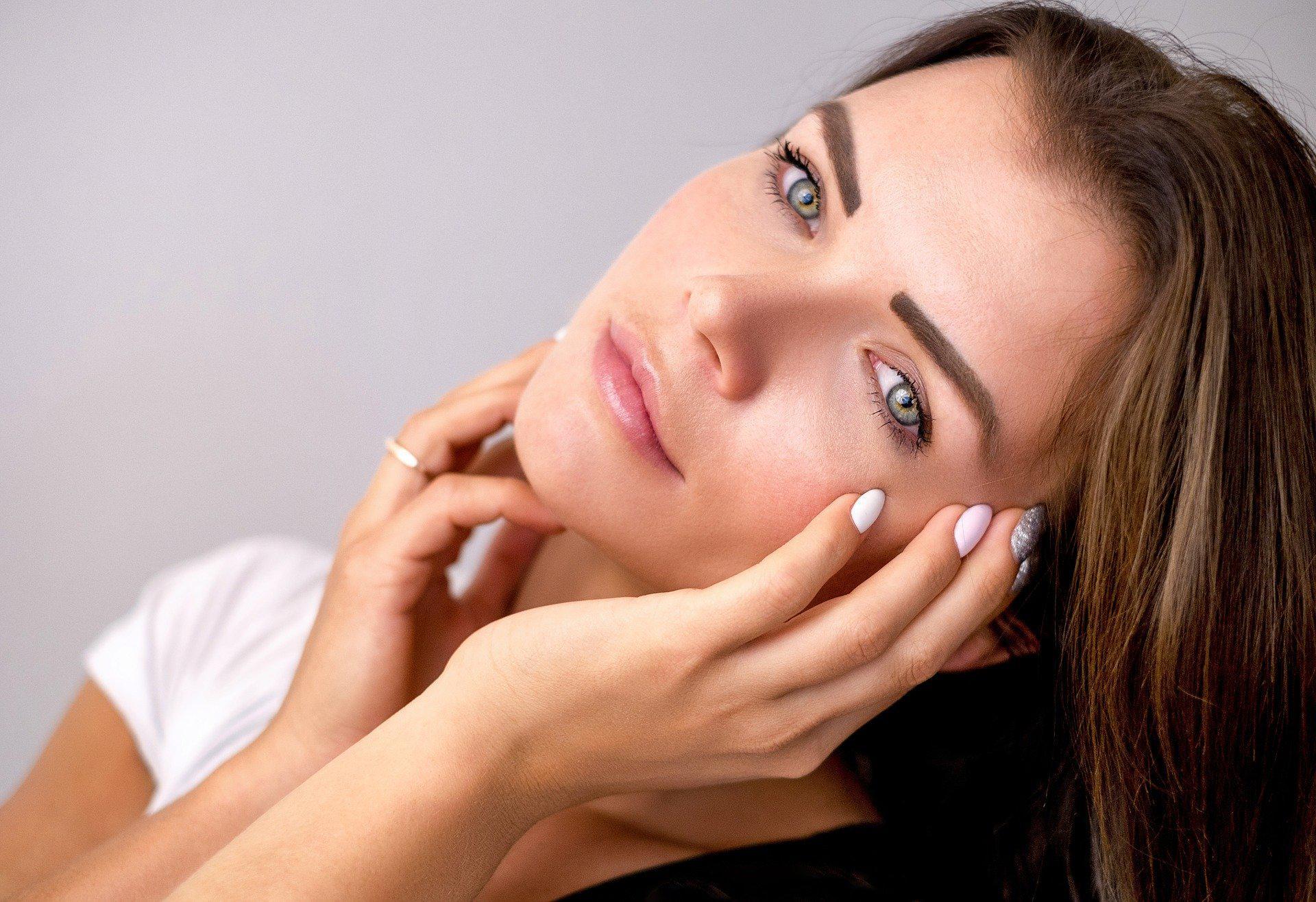 Make up no make up: delikatny makijaż dzienny krok po kroku