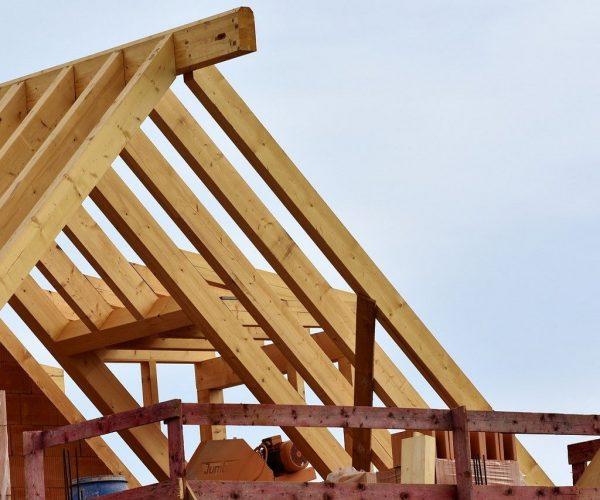 Kiedy warto kupować w lokalnym składzie materiałów budowlanych?
