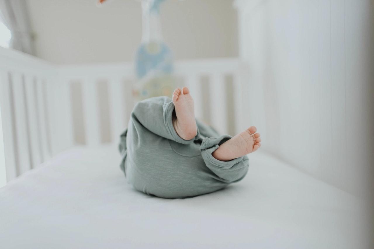 Pokój dziecka. Czy warto kupować meble na wymiar?